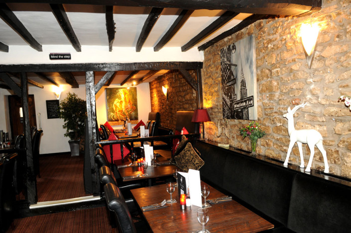 The White Hart Inn Ufton Interior Dining